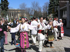 Bulgarian horo dance - Zornitsa Ensemble and people from Pernik