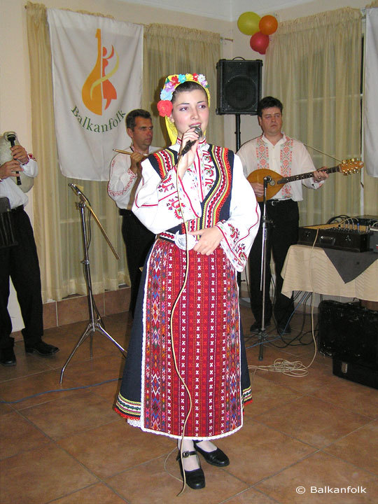 Ivelina Dimova - Bulgarian folk singing teacher