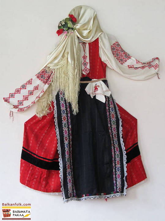 Bulgarian National Costume from Region of Stara Zagora (sukman, prestilka)