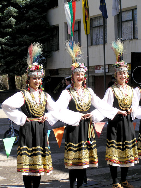 Women's Shoppian Dance - Zornitsa Ensemble